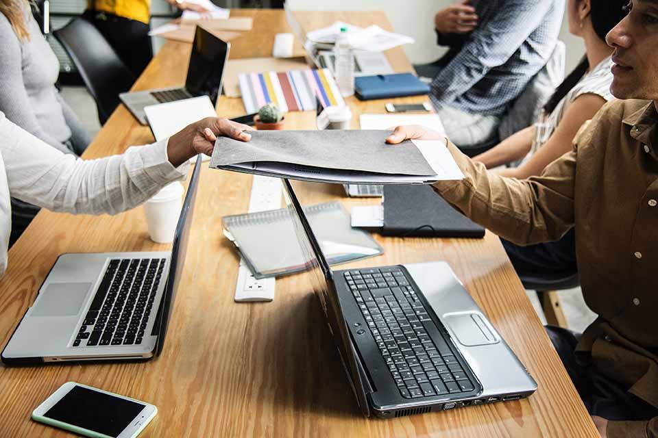 Wissen kompakt: Welche Aufgaben hat ein Lenkungsausschuss?